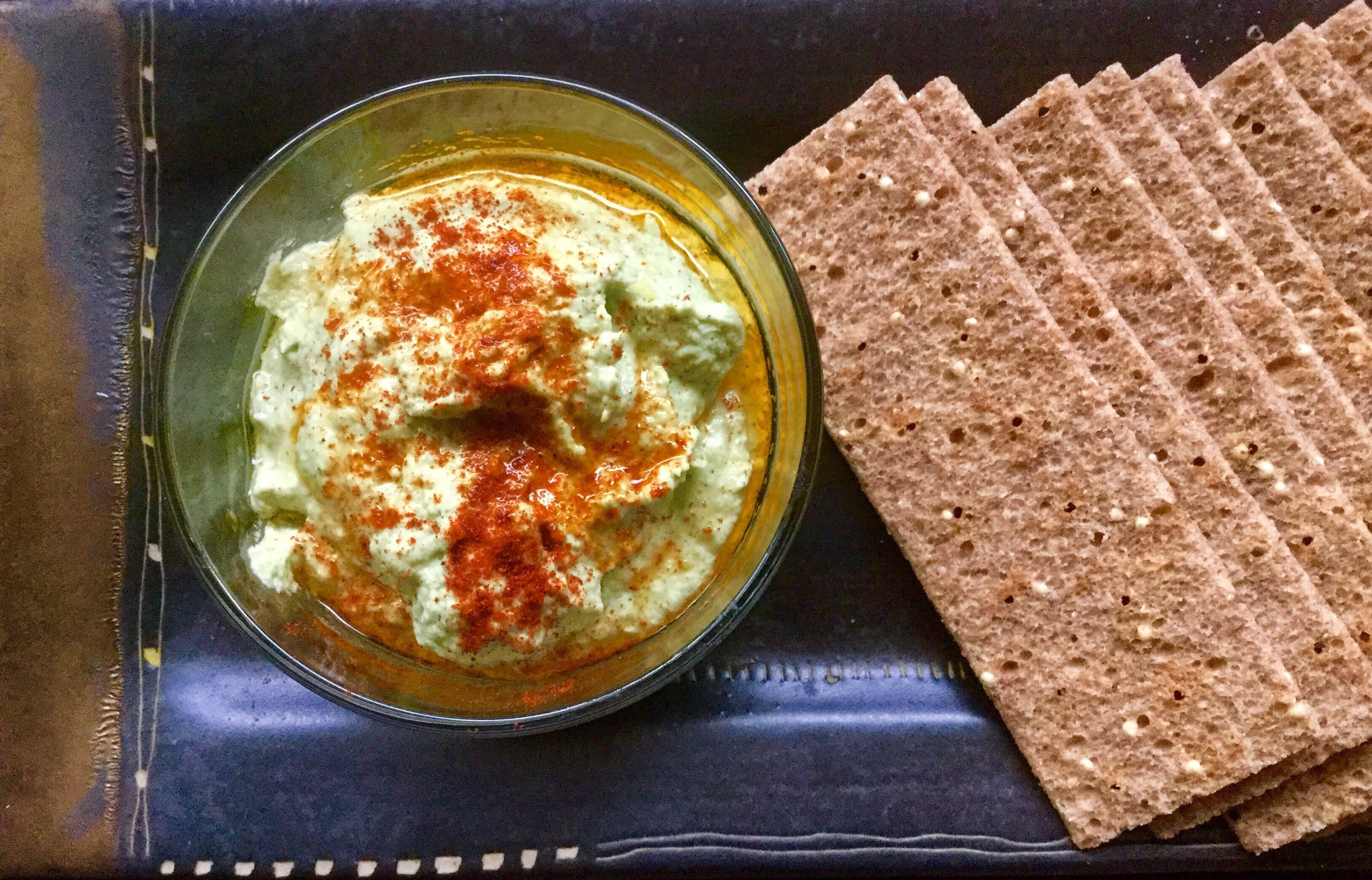 Edamame Hemp Heart Hummus (Edamammus) edamame, hemp hearts, olive oil (or avocado), garlic, lemon juice, salt, paprika or smoked paprika